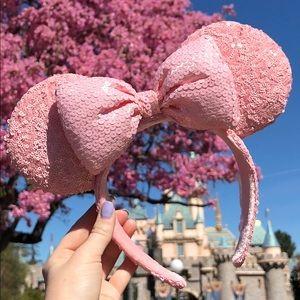 Pink millennial Minnie ears